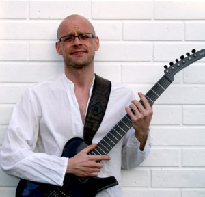 Nigel Honney-Bayes - Guitar, Ukulele & Bass teacher and music producer in Kettering, Northants